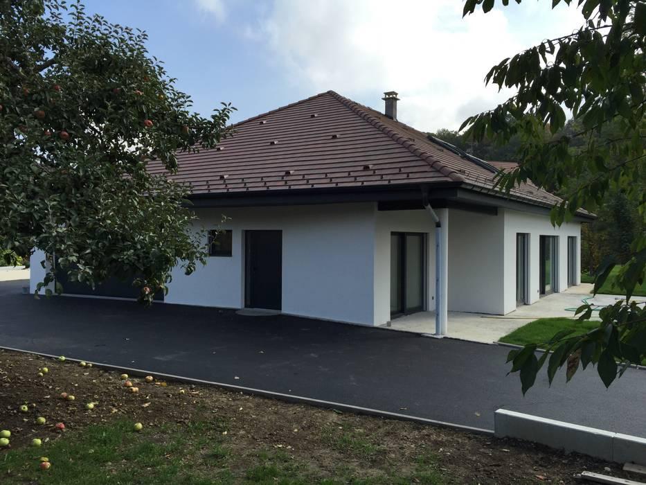 A.FUKE-PRIGENT ARCHITECTE Hipped roof