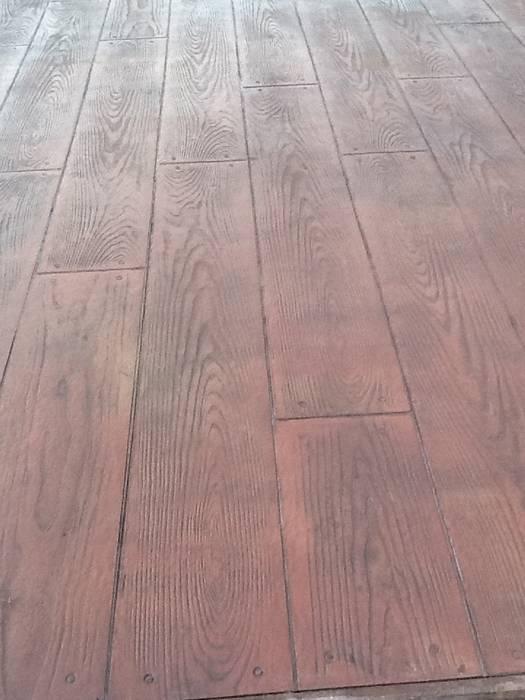 Betonvloer met houtmotief:  Terras door HV Betonvloeren BV, Modern