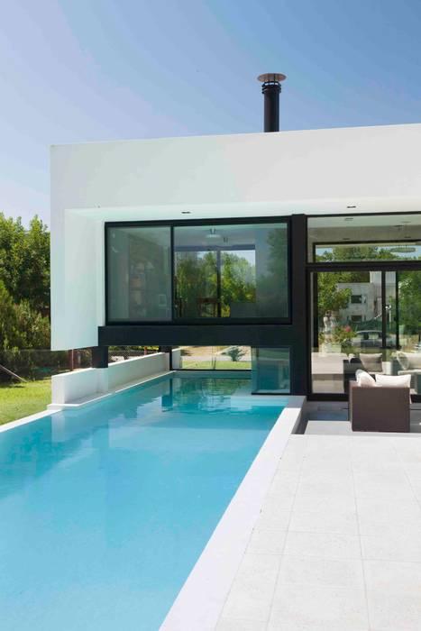 Moderne Pools von Remy Arquitectos Modern