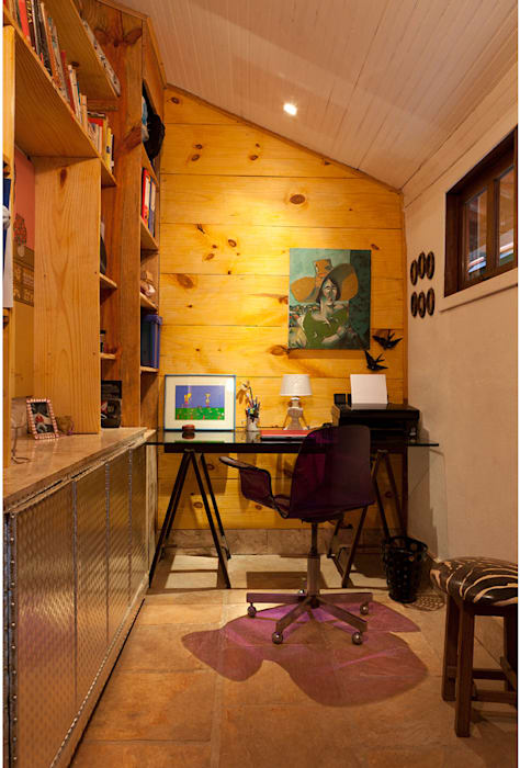 Rustic style study/office by MMMundim Arquitetura e Interiores Rustic