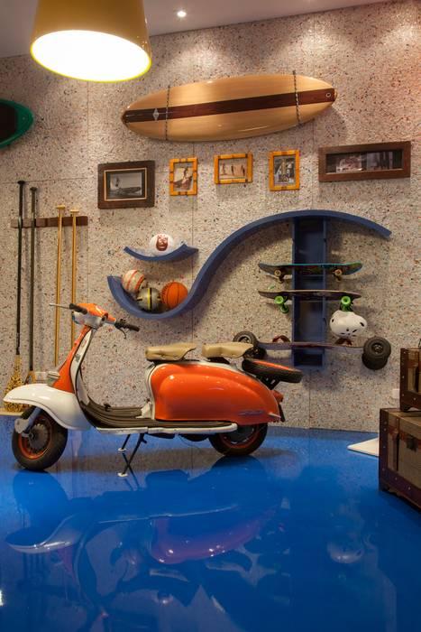 Moderne Garagen & Schuppen von RB ARCHDESIGN Modern