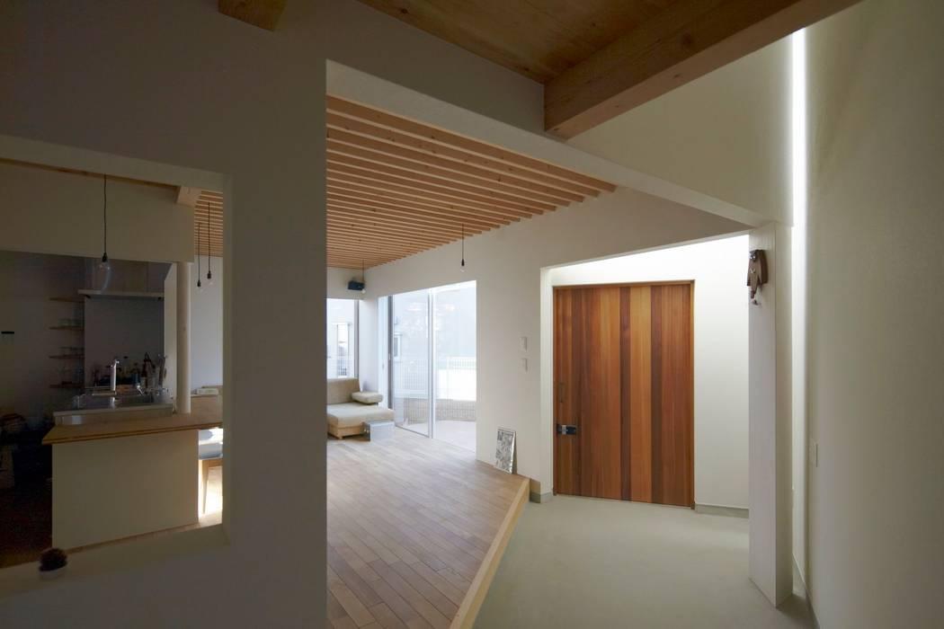 House in Aoba シキナミカズヤ建築研究所 Moderne Wohnzimmer
