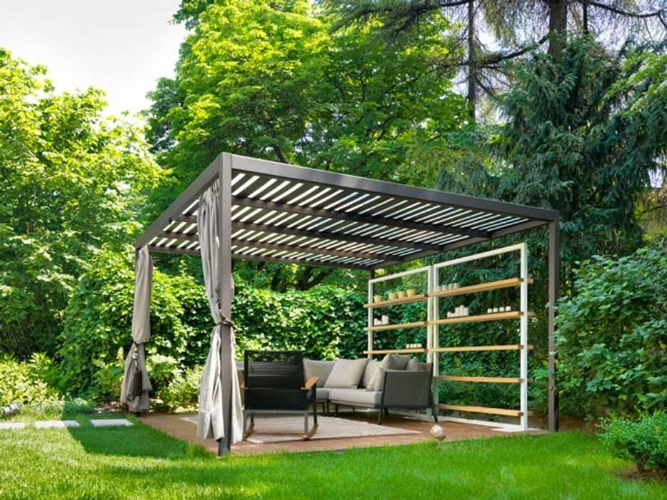 Balcones y terrazas minimalistas de Cagis Minimalista Hierro/Acero
