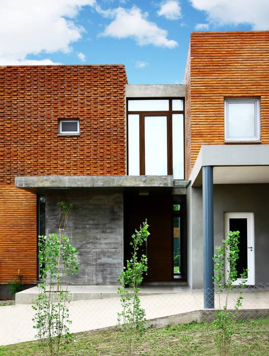 Casas modernas de AGUIRRE+VAZQUEZ Moderno