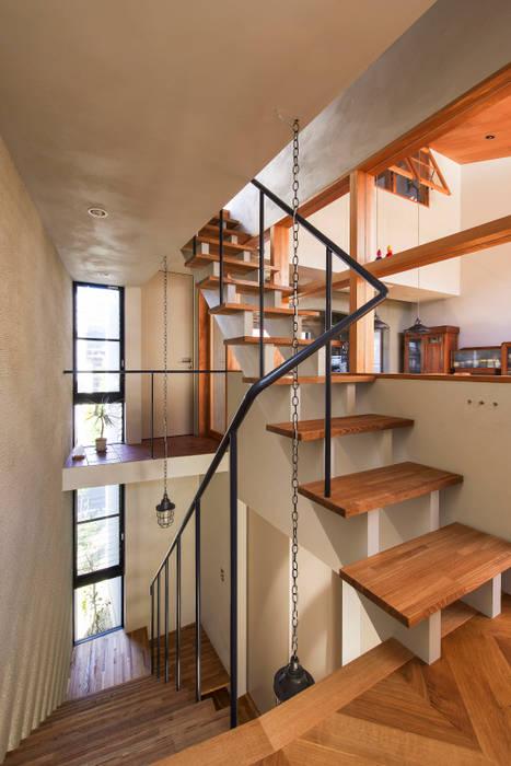 桑名の家 モダンスタイルの 玄関&廊下&階段 の Nobuyoshi Hayashi モダン
