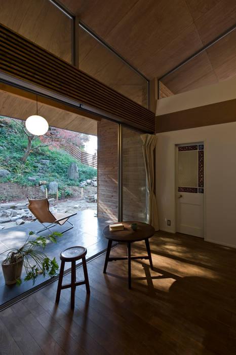 Terrace by Nobuyoshi Hayashi, Modern