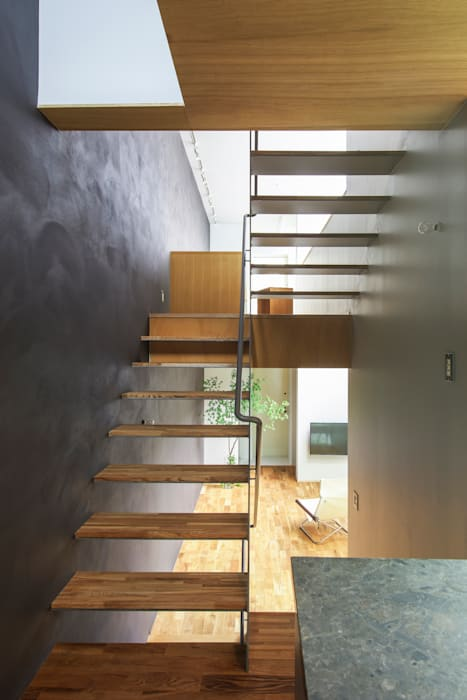 Nobuyoshi Hayashi Modern corridor, hallway & stairs