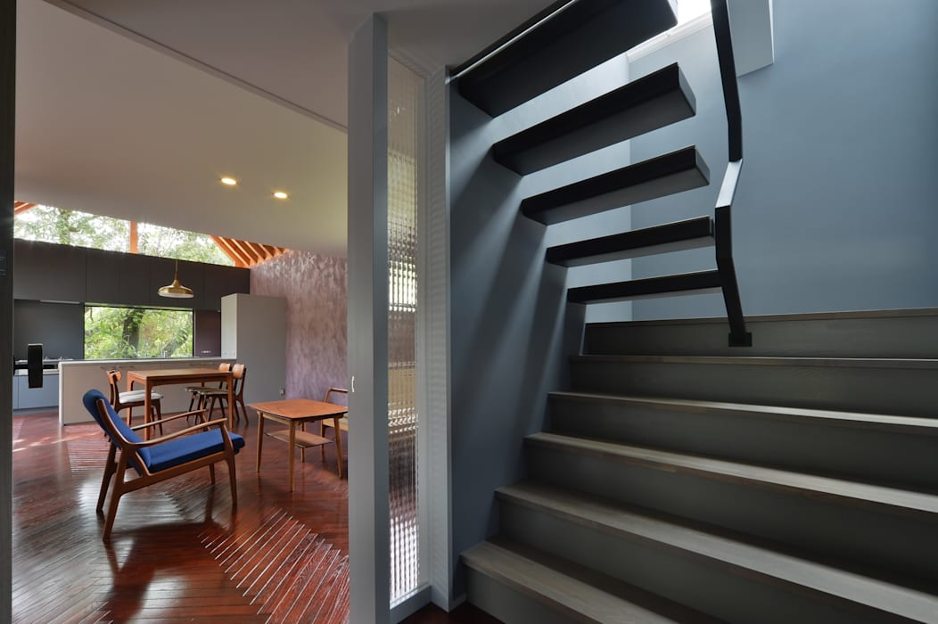 守山の家 Moderner Flur, Diele & Treppenhaus von Nobuyoshi Hayashi Modern