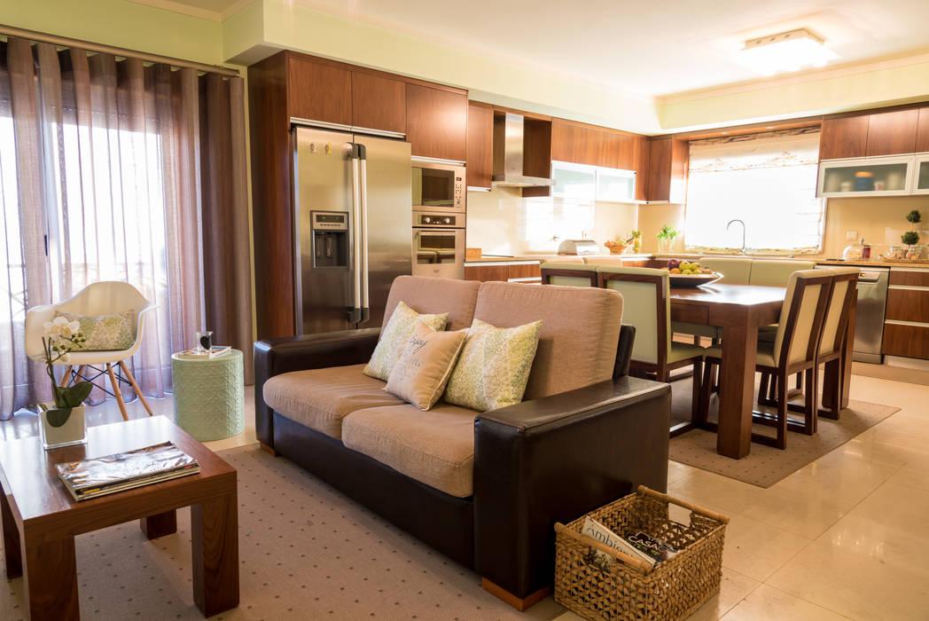 Cozinha Campestre Cozinhas campestres por Ângela Pinheiro Home Design Campestre Madeira maciça Multicolor