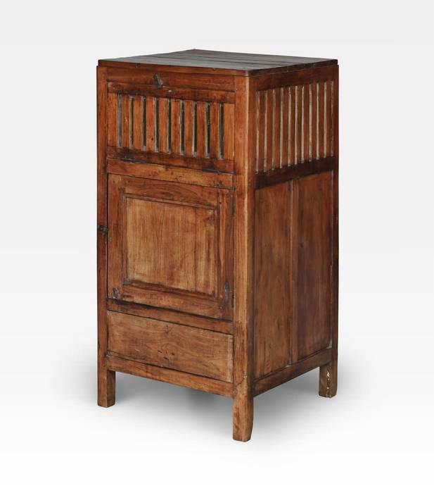 Mobiletto indiano porta biancheria in legno di teak: Bagno in stile in stile Asiatico di Anthaus