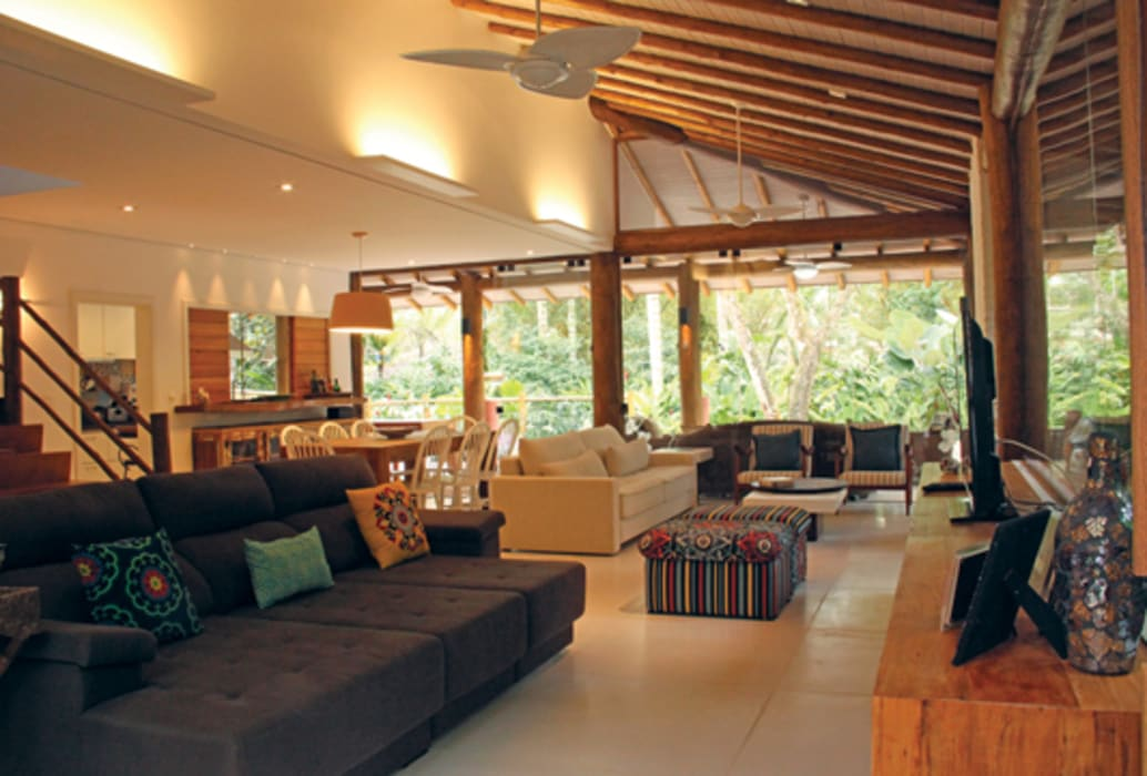Rustic style living room by RAC ARQUITETURA Rustic