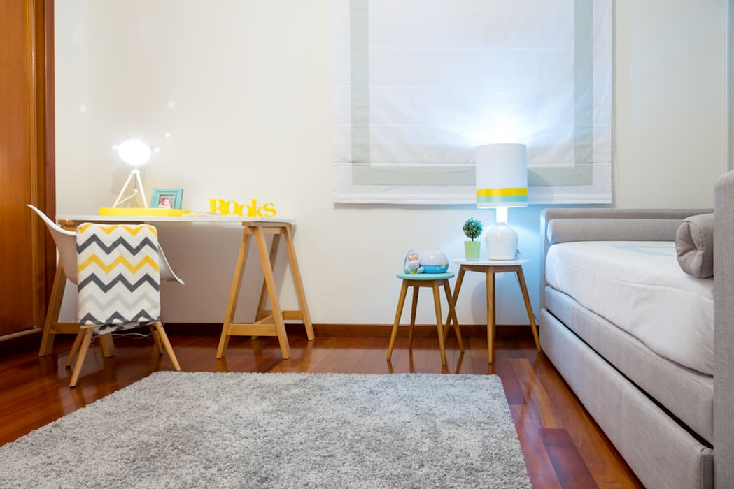 Quarto do Gui Quartos de criança escandinavos por Ângela Pinheiro Home Design Escandinavo Madeira Acabamento em madeira