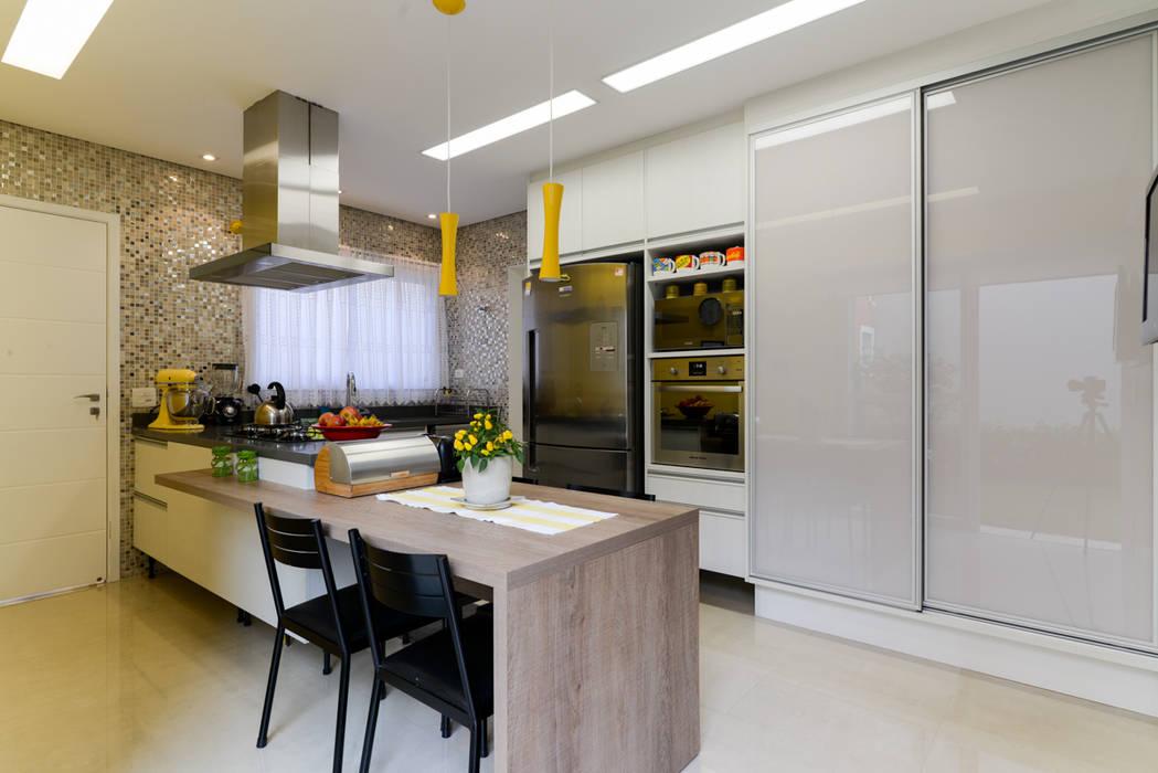 LAM Arquitetura   Interiores Cocinas modernas: Ideas, imágenes y decoración