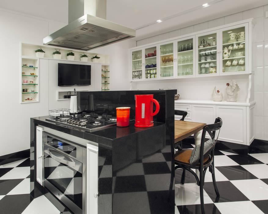 Dapur oleh Rosangela C Brandão Interiores, Klasik