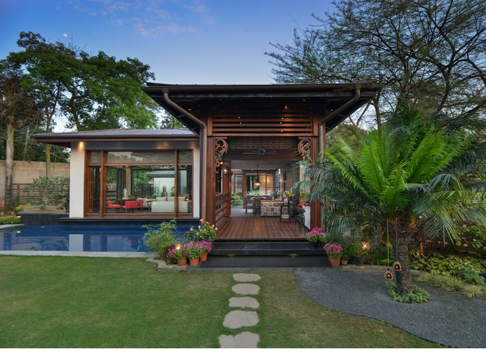 Chattarpur Farmhouse New Delhi de monica khanna designs Moderno