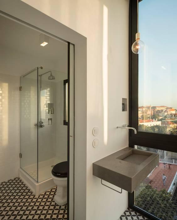 a: Casas de banho  por fala,Moderno