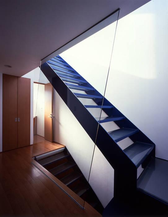 Moderner Flur, Diele & Treppenhaus von Guen BERTHEAU-SUZUKI Co.,Ltd. Modern