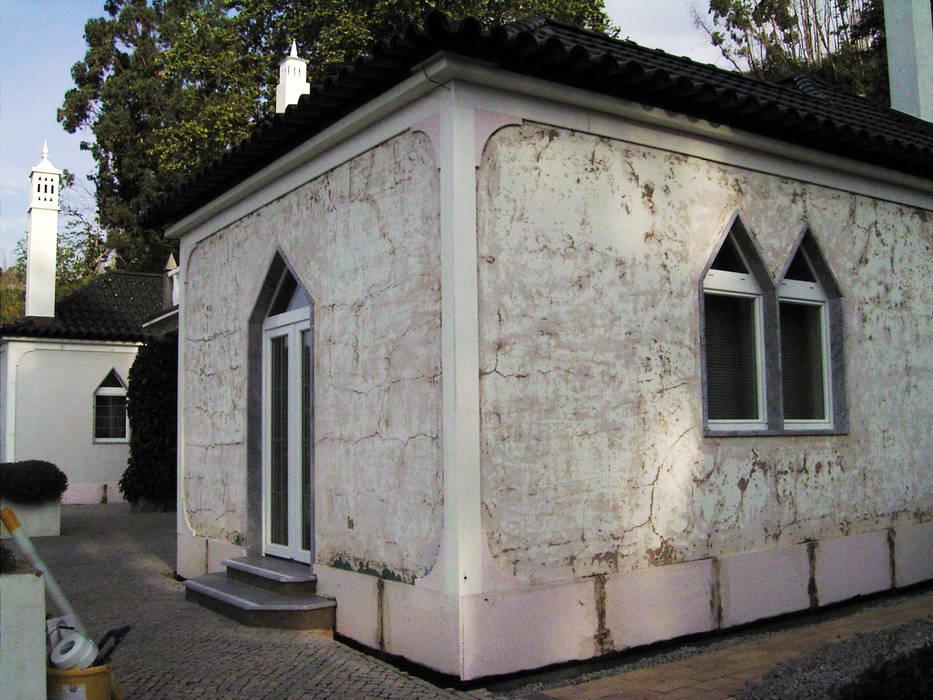 Facade Renovation Casas de estilo rural de RenoBuild Algarve Rural