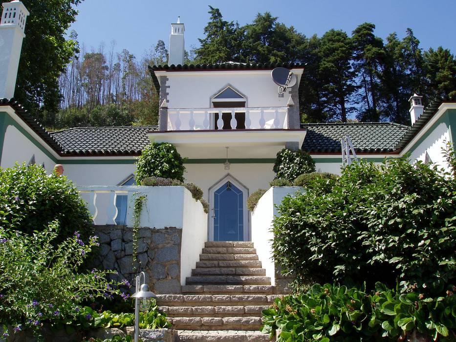 Casas de estilo  por RenoBuild Algarve