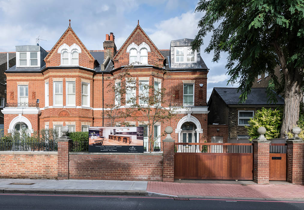 Full renovation on Trinity Road, London:  Houses by Grand Design London Ltd