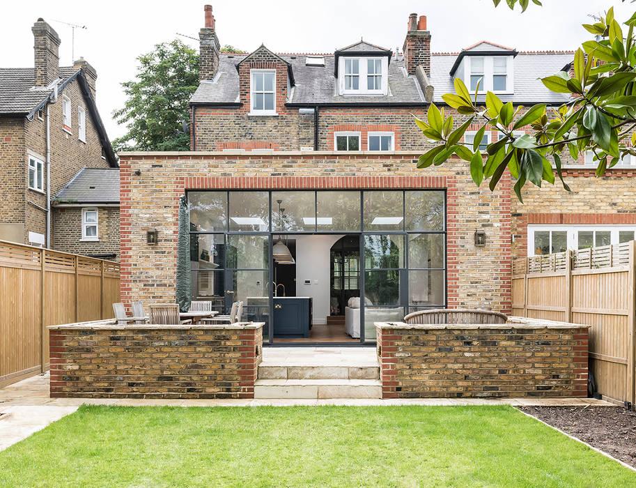 Full renovation on Trinity Road, London Дома в стиле модерн от Grand Design London Ltd Модерн