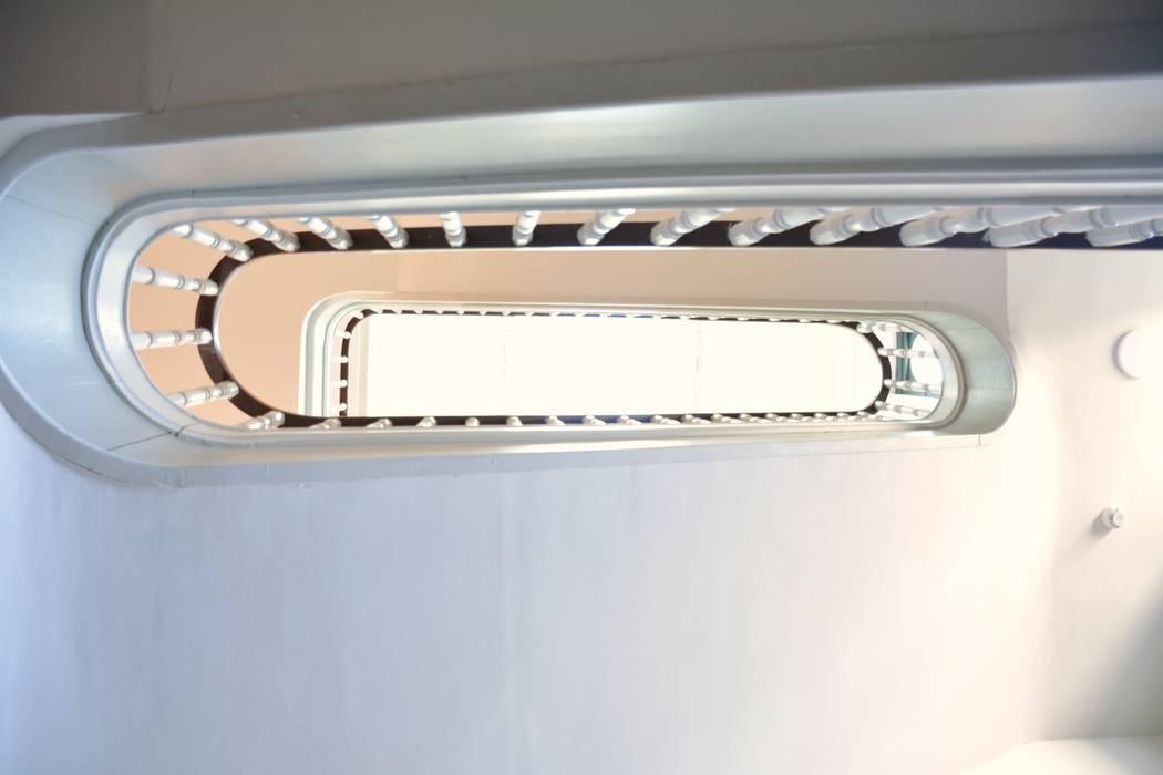 Villa Concepción Ya Home Staging Pasillos, vestíbulos y escaleras de estilo ecléctico