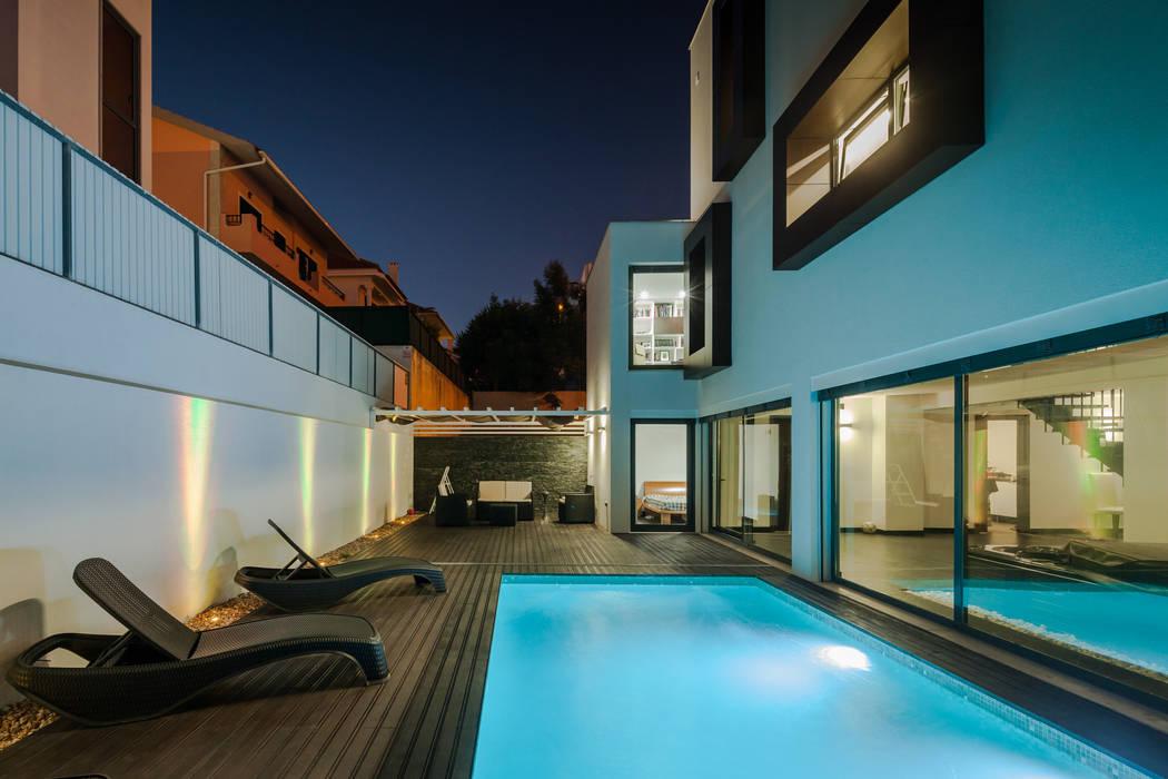 Piscines  de style  par JPS Atelier - Arquitectura, Design e Engenharia, Moderne
