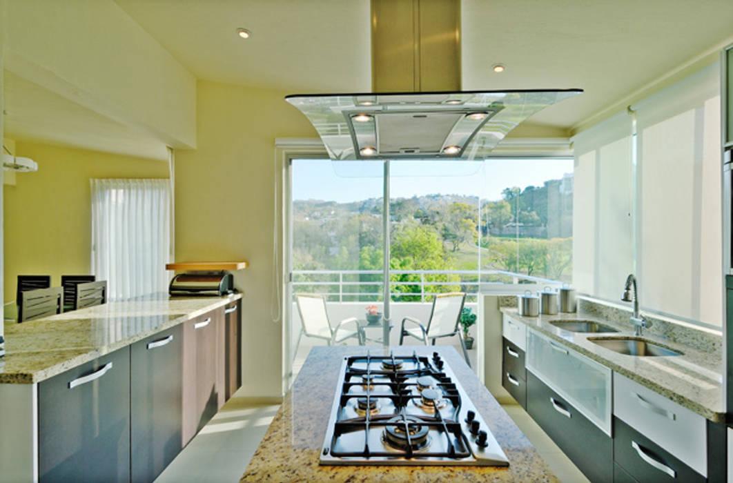 cocina Excelencia en Diseño Cocinas modernas Derivados de madera Blanco