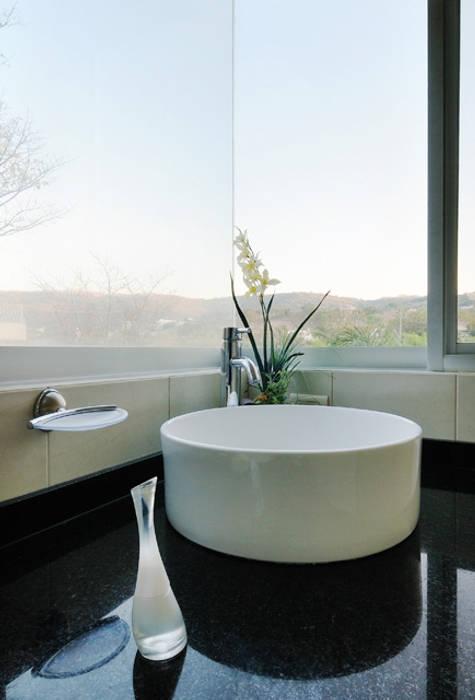 lavamanos Baños modernos de Excelencia en Diseño Moderno