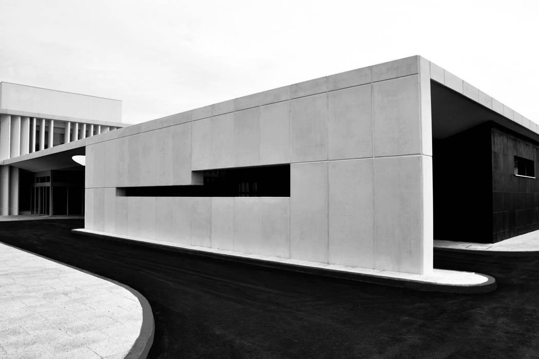 Klinik oleh ATELIER DA CIDADE, Modern