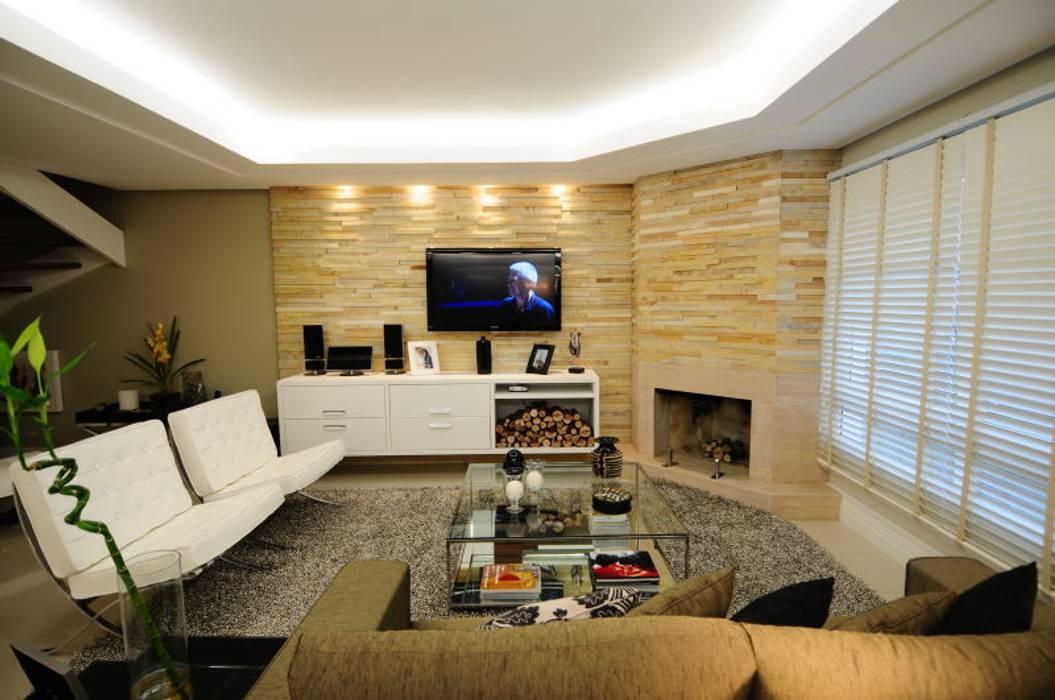 Salon moderne par Angela Ognibeni Arquitetura e Interiores Moderne