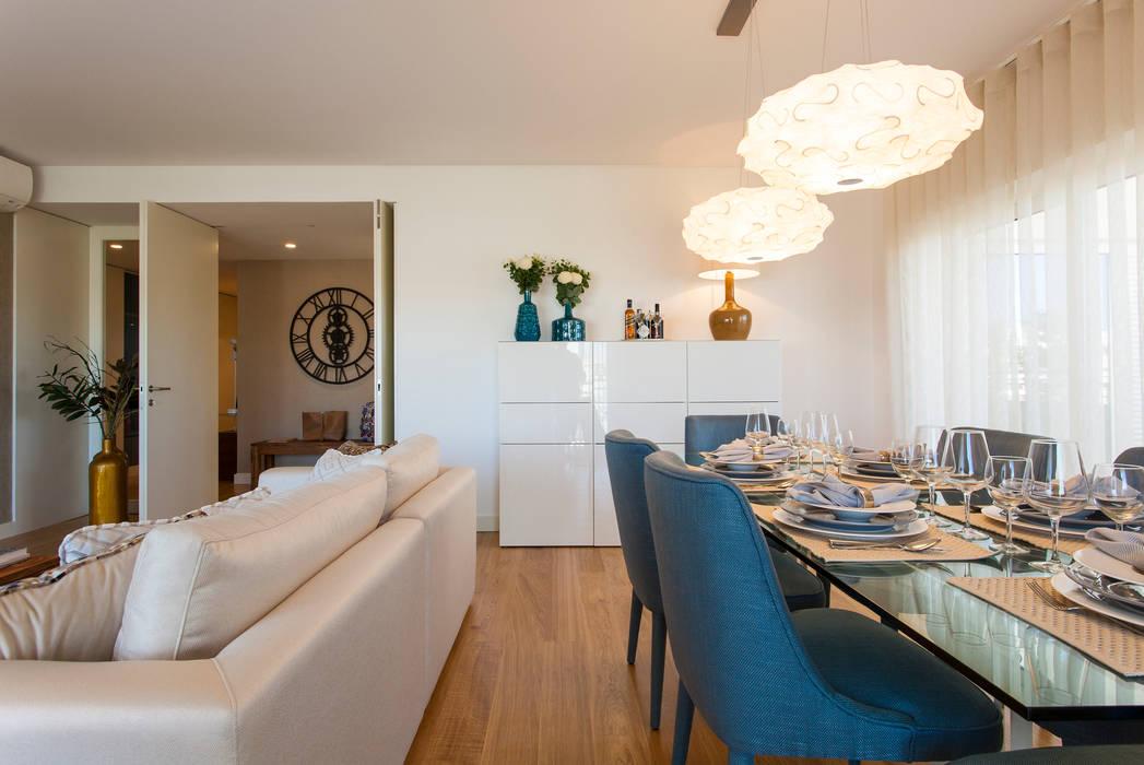 Sala Comum Salas de jantar modernas por Traço Magenta - Design de Interiores Moderno