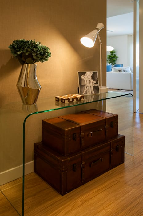 Traço Magenta - Design de Interiores Koridor & Tangga Modern