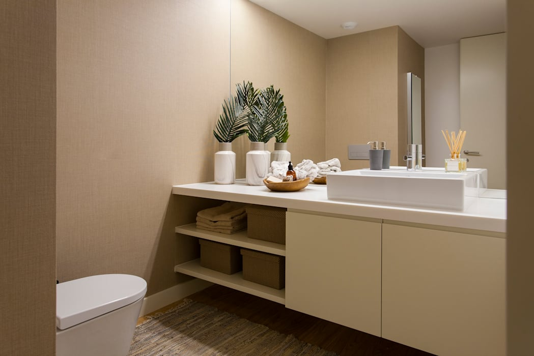 Baños de estilo moderno de Traço Magenta - Design de Interiores Moderno