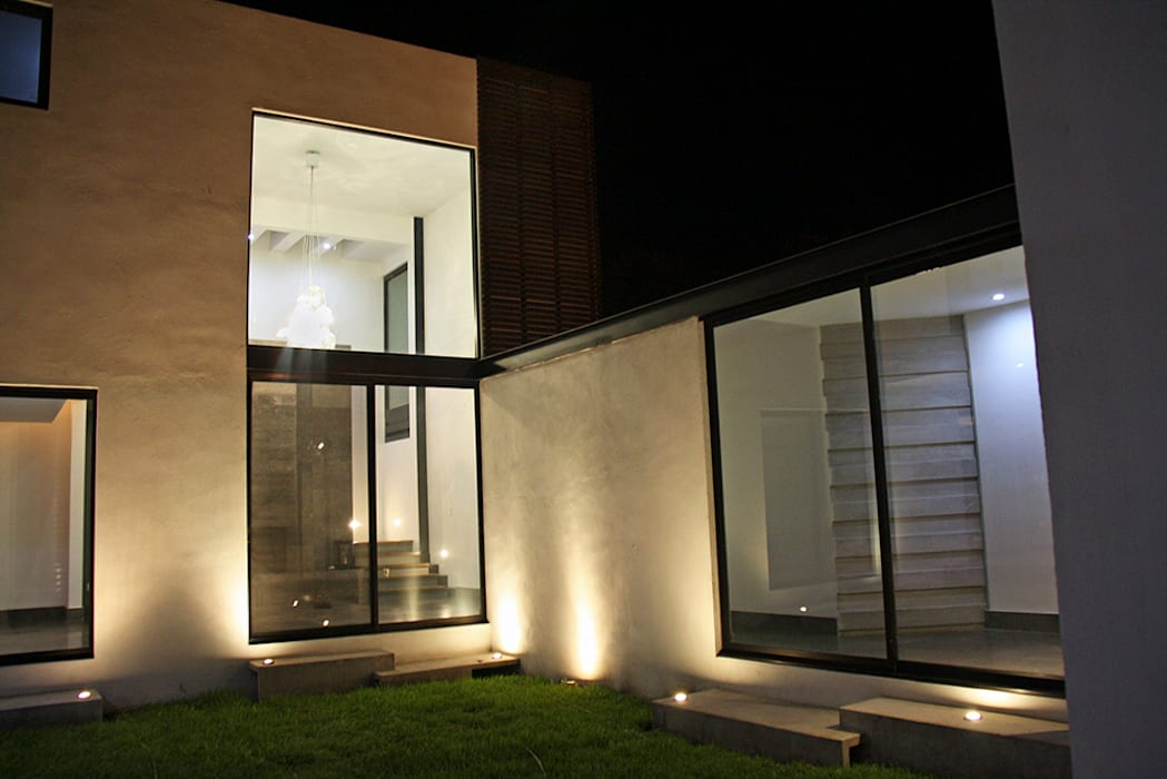 Vista desde jardín: Casas de estilo moderno por Narda Davila arquitectura