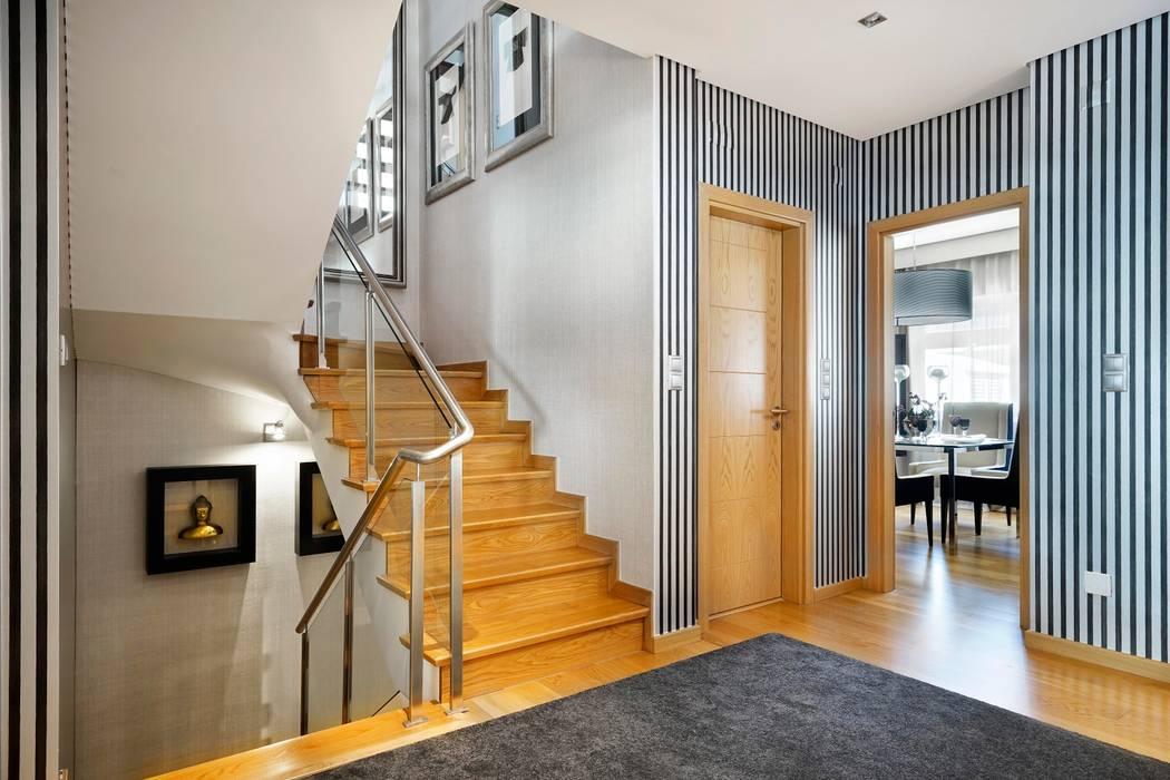 Couloir, entrée, escaliers modernes par 3L, Arquitectura e Remodelação de Interiores, Lda Moderne