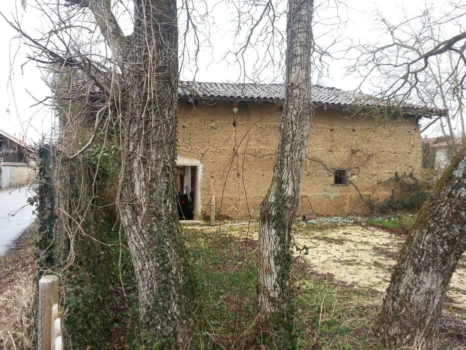 La grange avant: Maisons de style de style eclectique par KREA Koncept