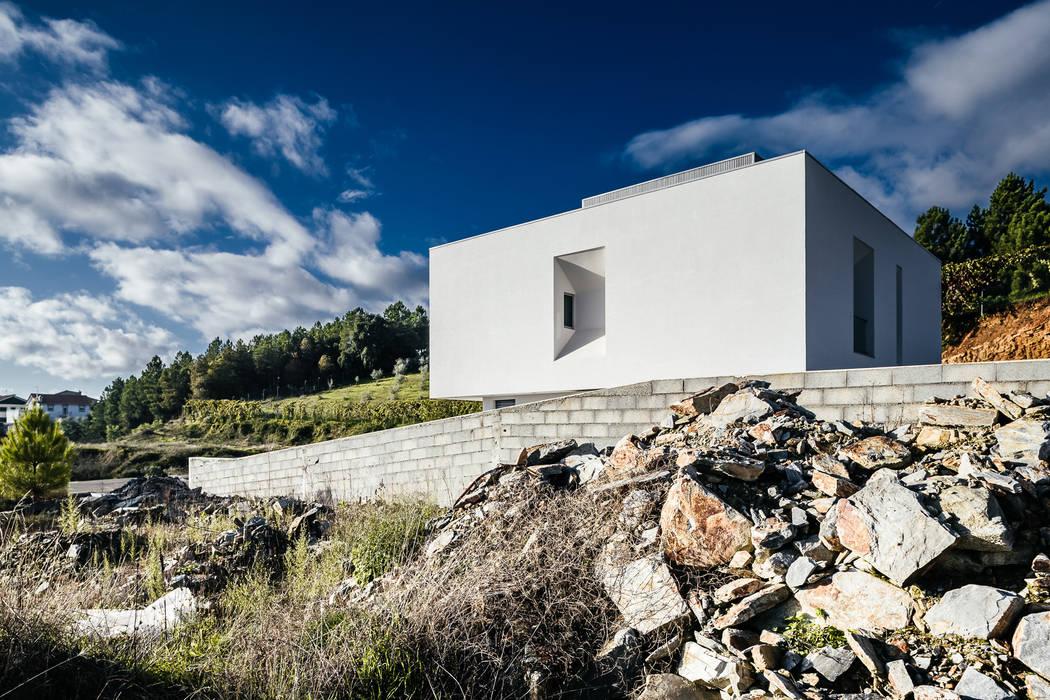 Casas de estilo  de ADOFF - Arquitetos, Moderno