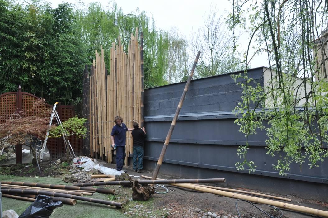 palissade en bambou en construction pour jardin japonais. Black Bedroom Furniture Sets. Home Design Ideas