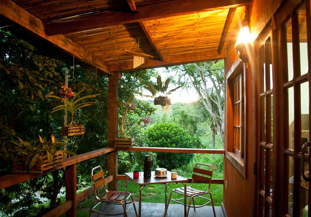 Deck Varandas, alpendres e terraços rústicos por Jaqueline Vale Arquitetura Rústico