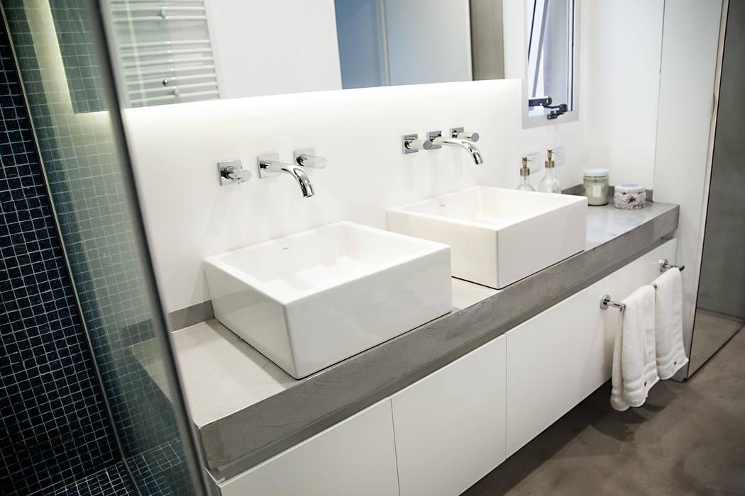 Baño principal Baños modernos de MeMo arquitectas Moderno