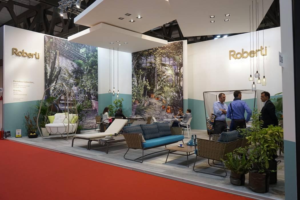 Stand Roberti Rattan s.r.l. - Salone del Mobile Milano 2015 Allestimenti fieristici in stile mediterraneo di Andrea Gaio Design Mediterraneo