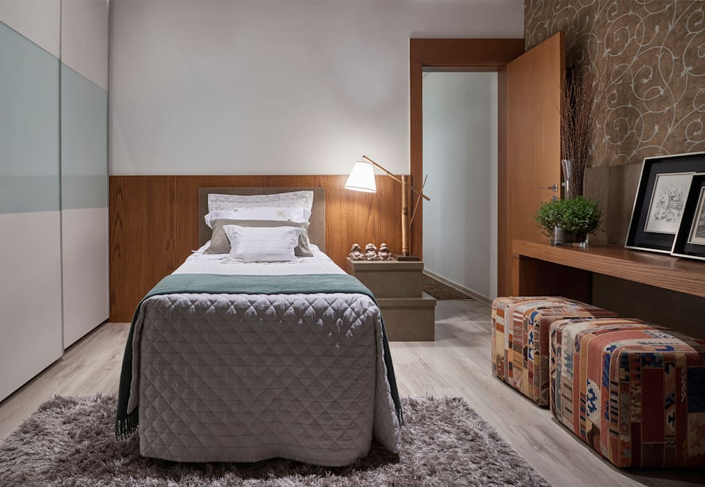 Modern Bedroom by Isabela Canaan Arquitetos e Associados Modern