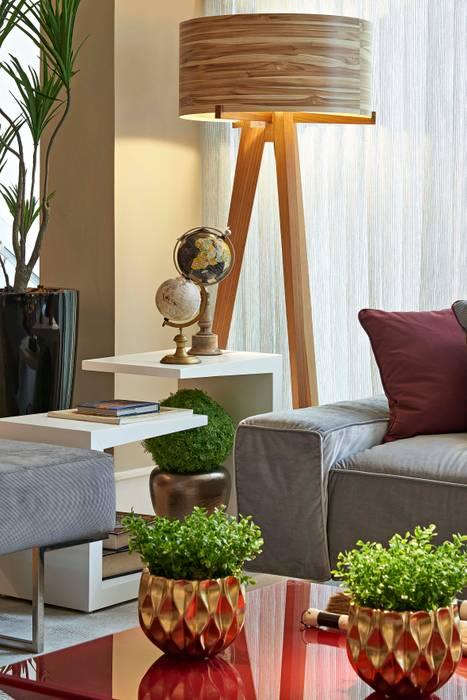 现代客厅設計點子、靈感 & 圖片 根據 Lider Interiores 現代風