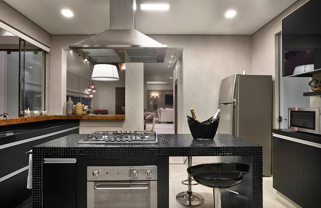 Modern Kitchen by Isabela Canaan Arquitetos e Associados Modern