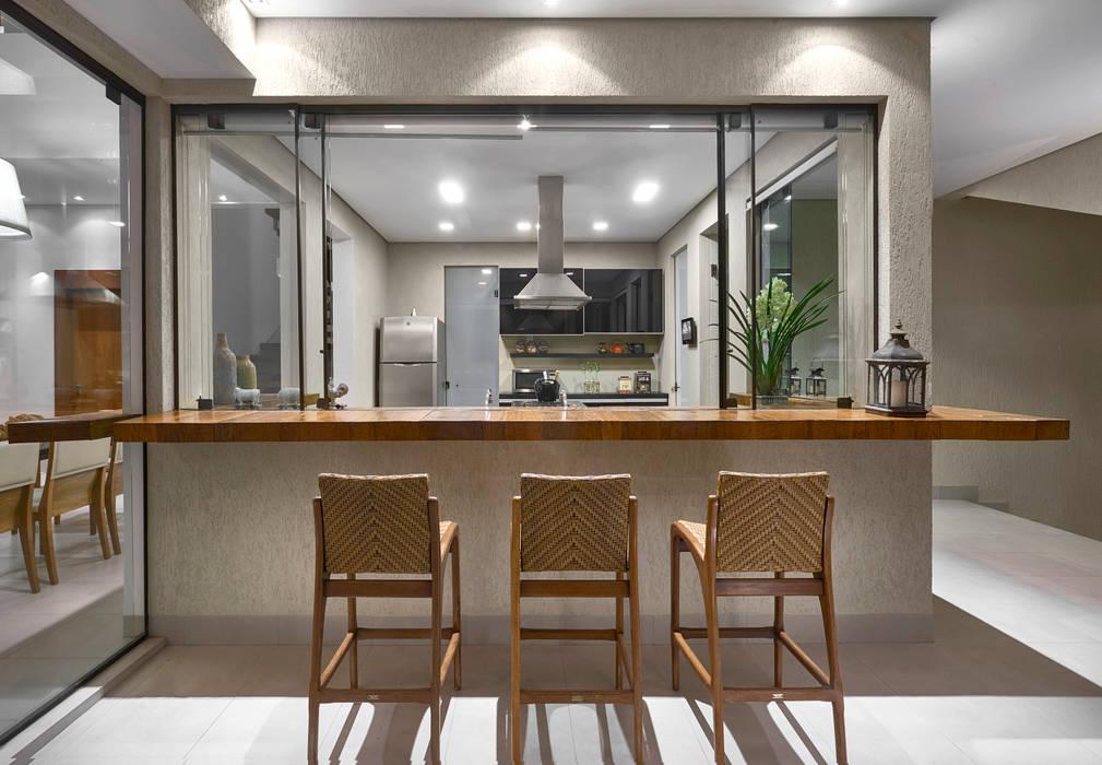 Residência AM Varandas, alpendres e terraços modernos por Isabela Canaan Arquitetos e Associados Moderno