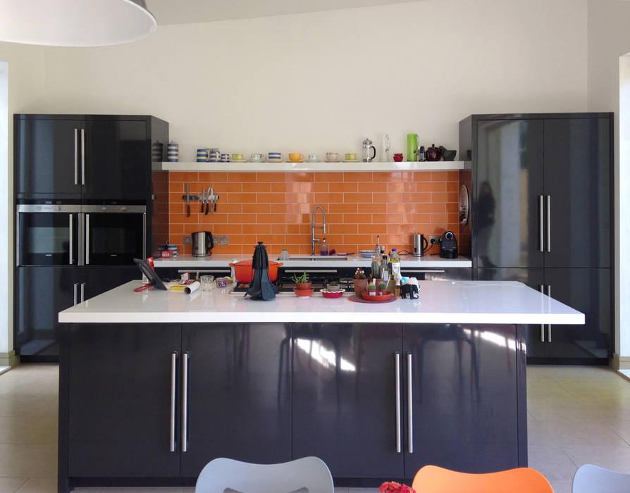 Кухни в . Автор – ArchitectureLIVE, Модерн