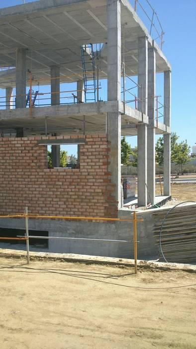 vivienda unifamiliar BS Ingeniería Casas de estilo clásico