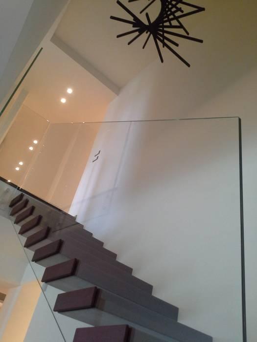internitreviso Modern Corridor, Hallway and Staircase