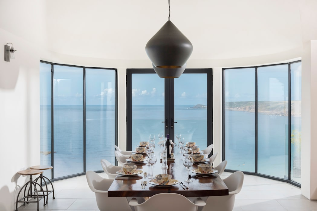 Gwel-An-Treth, Sennen Cove, Cornwall Laurence Associates Modern dining room White